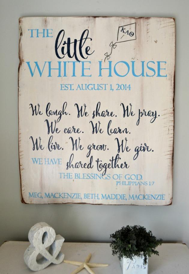 sign little white house3